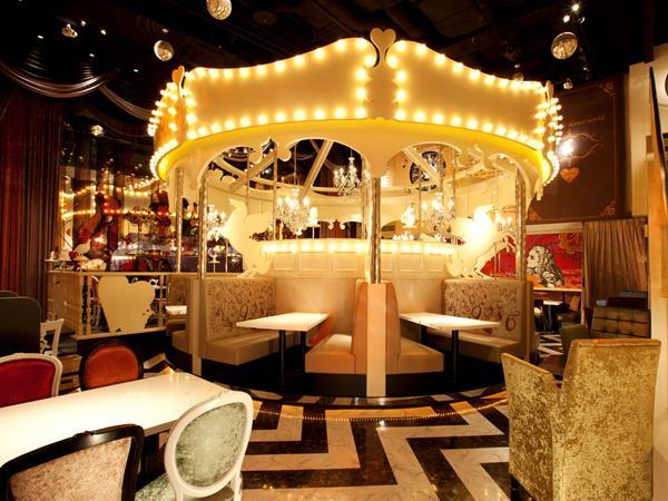 600_Alice_Themed_Cafe_Dancing_Land.jpg