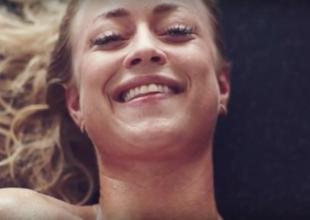 Sex säljer? Den här reklamvideon för resor kan vara den märkligaste vi sett