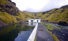 Varmvattenpoolen i den isländska vildmarken där du badar gratis – om du hittar den