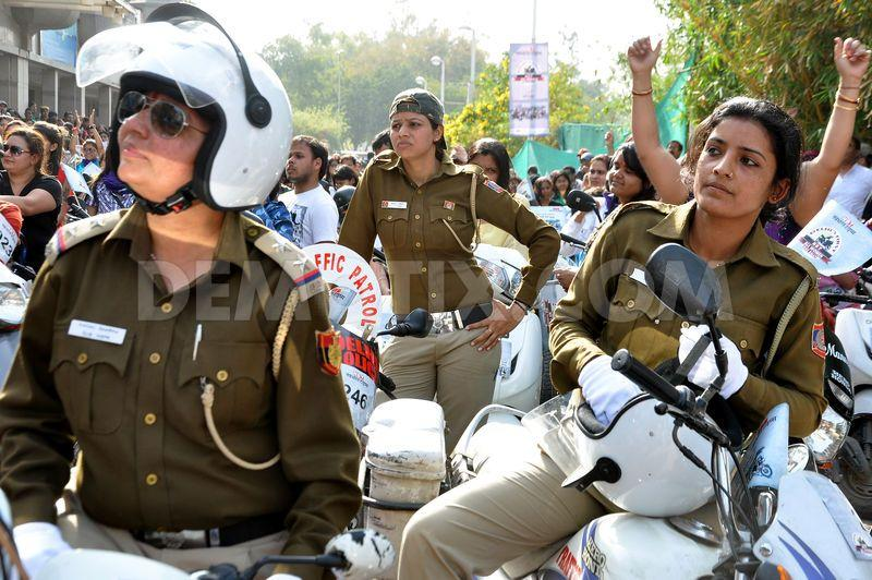 womens-bike-rally-in-new-delhi_1860507.jpg