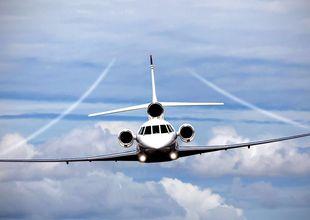 Fick inte bli flygvärdinna – startade ett eget flygbolag