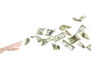 Resesajternas dolda avgifter – så undviker du extra kostnader