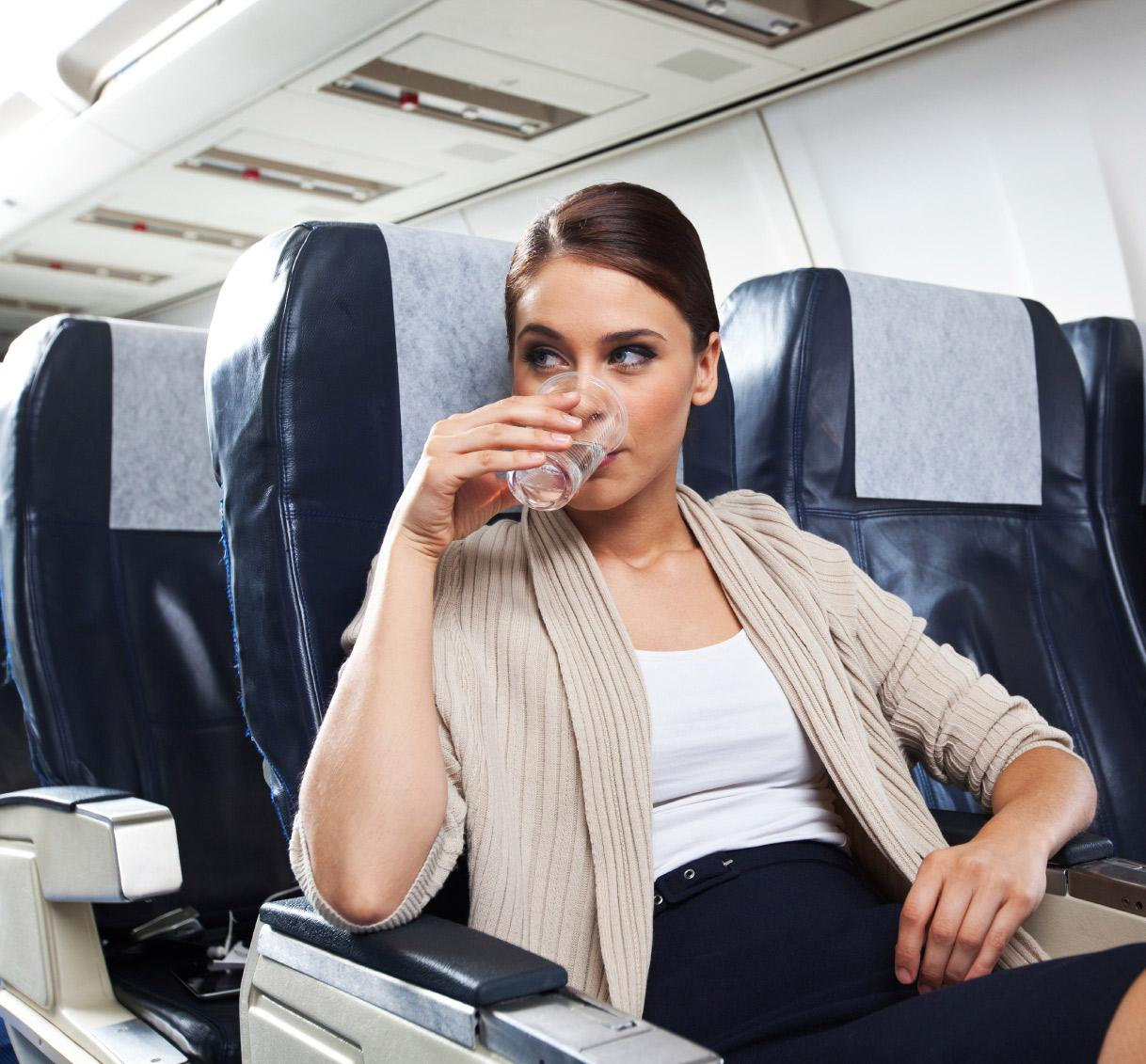 Maten kops in medan du flyger