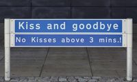 """Här är flygplatsen som har infört en """"kyss-avgift"""""""